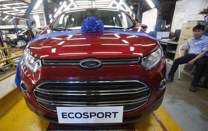 Ford puts exports from both its plants on fast track