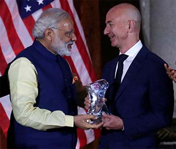 Modi clinches deal with Bezos, Amazon will invest more in India