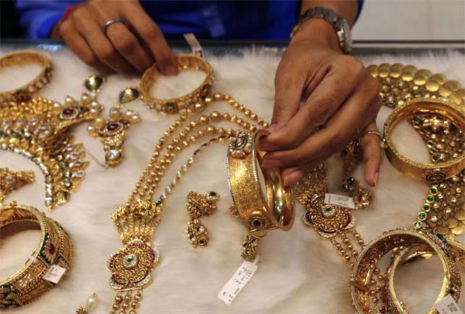 Defaulters beware! Sebi to auction jewellery, gold if you fail to pay
