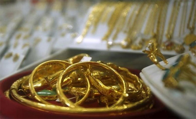 Need an emergency loan? Go for gold loan