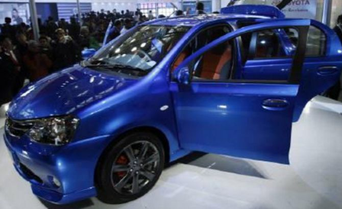 5 most fuel efficient hatchbacks in India