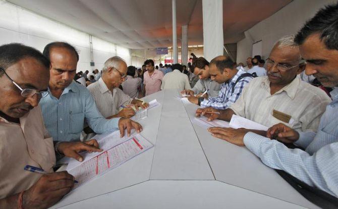 Over 40 lakh assessees file GST returns for October