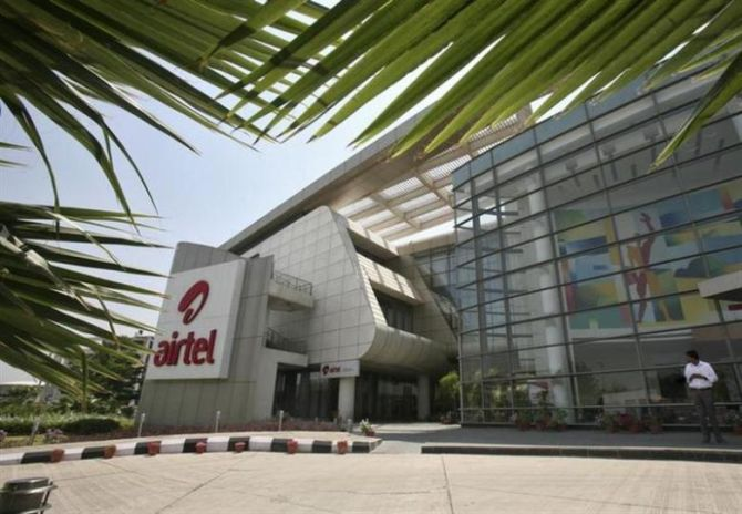 Bharti Telecom sells stake in Airtel for Rs 8,433 cr