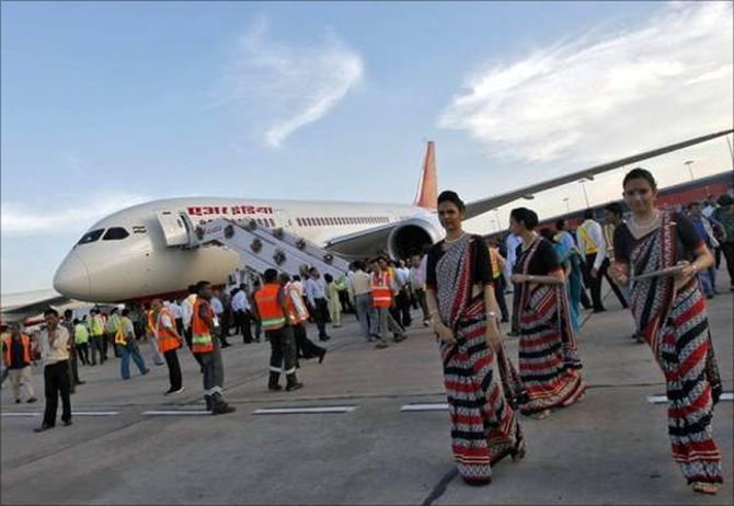 Govt offers to divest 100 pc stake in Air India