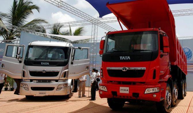 Tata Motors dethrones M & M; reclaims top spot in LCVs