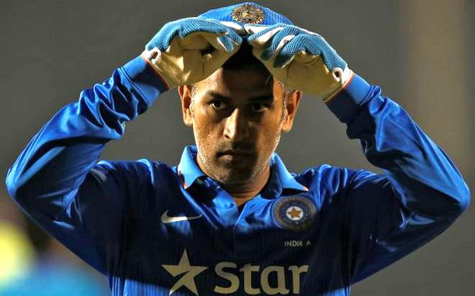 Retirement: Gavaskar got it right, what about Dhoni?