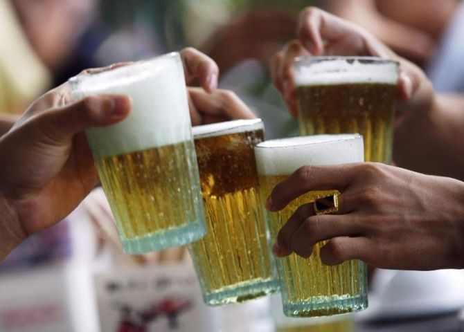 Bars in UP's big cities can stay open till 2 am