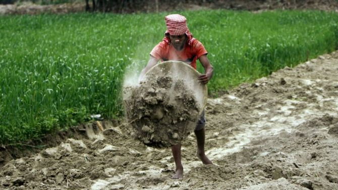 Centre's agri market reform ordinance comes under fire