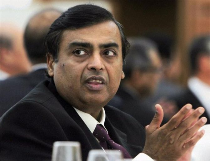 Reliance, 1st private firm to post Rs 10,000 cr quarterly profit