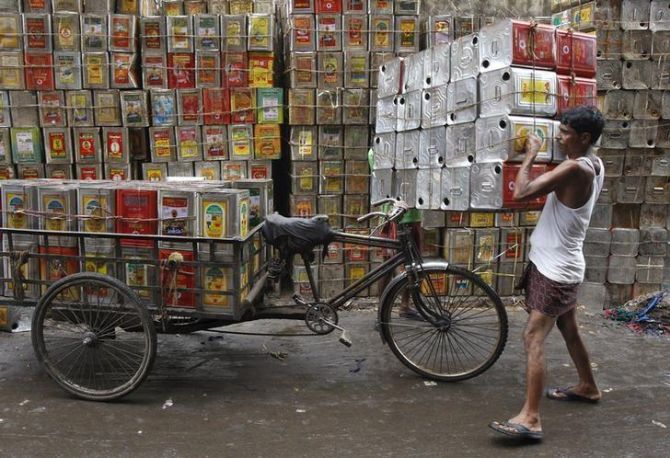 Post-Covid, govt planning ban on loose edible oil sale