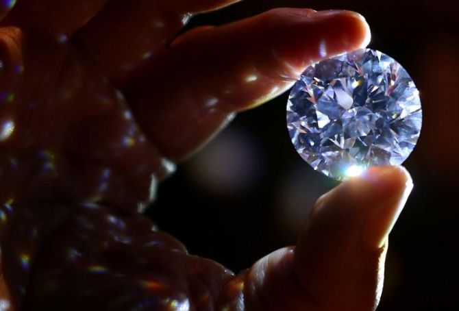 India readies plan to sell only 'clean' diamonds worldwide
