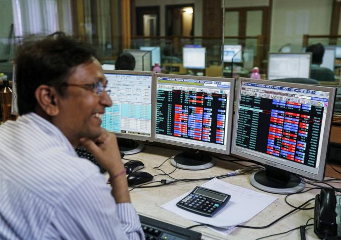 Sensex soars 879 points as India begins to unlock