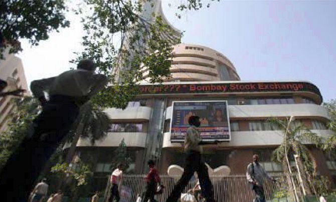 Sensex builds on gains for 2nd day as rupee recovers