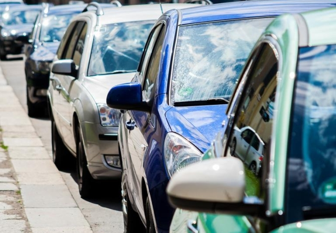 Auto cos report marginal rise in Feb sales