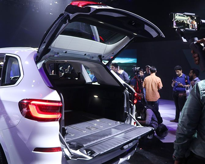 The tailgate of the BMW X5
