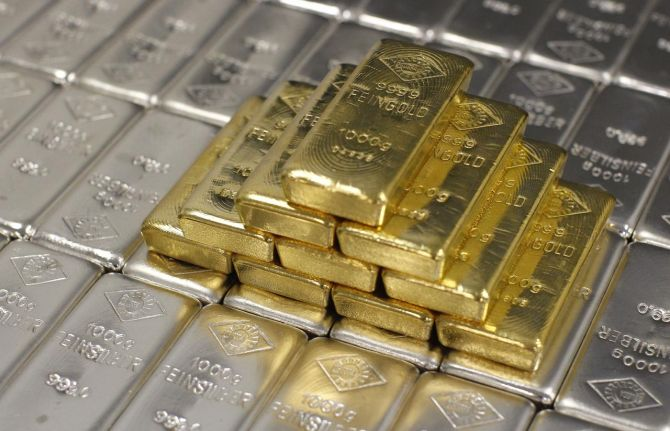 Gold import lowest in 10 years, March saw huge plunge