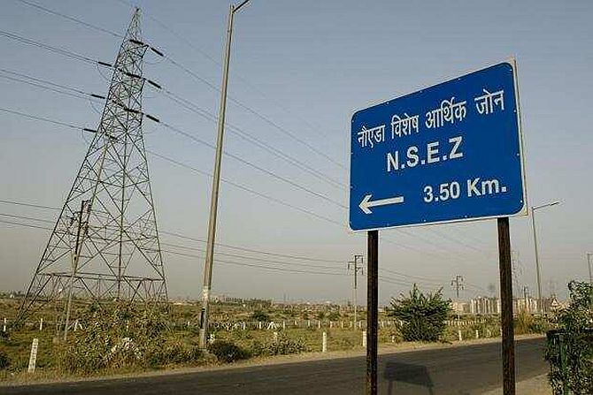 In Noida SEZ, even essential biz struggle to open