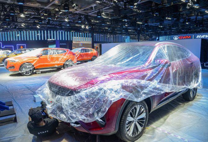 Auto sales down 19.08%; economic woes, BS-VI take toll
