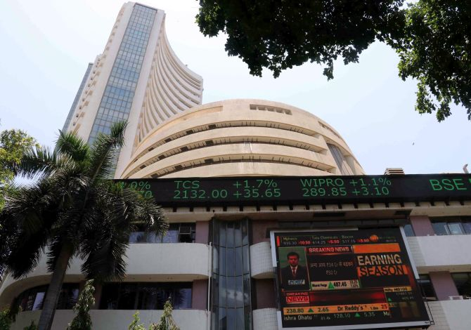 Sensex catches coronavirus, falls 458 points