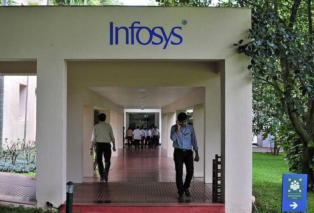 RSS gen secy lauds Sangh weekly that criticised Infy