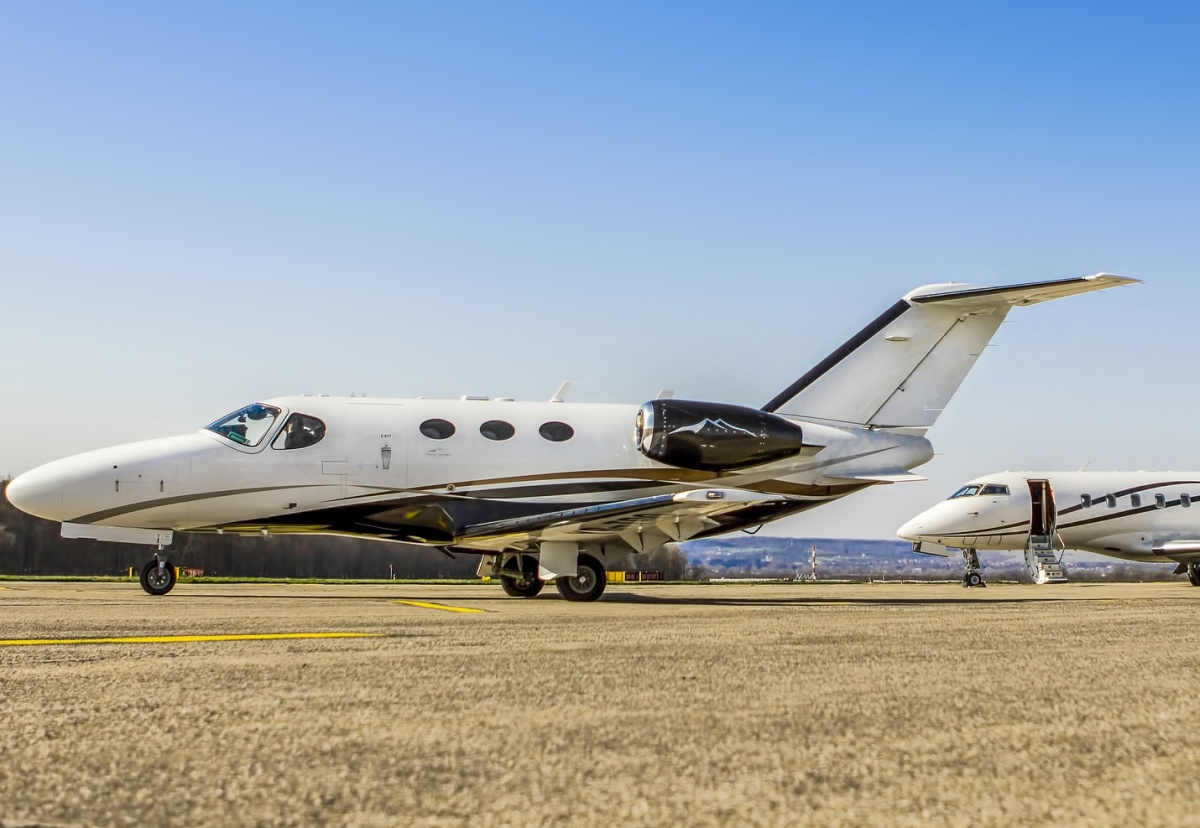 How the Rich fuel Demand for Private Jets
