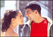 Lara Dutta and Akshay Kumar in Aan