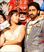 Lara Dutta and Abhishek Bachchan in Jhoom Barabar Jhoom