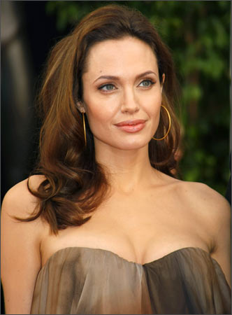 Angelina Jolie underwent preventive mastectomy to prevent the risk of breast cancer