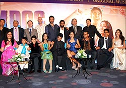 Slumdog Milionaire's cast and crew