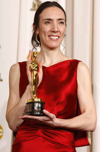 Megan Mylan poses with her Oscar statue for Smile Pinki