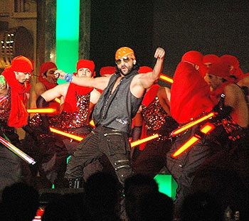 Saif Ali Khan performs