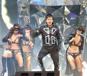 Vivek Oberoi performs