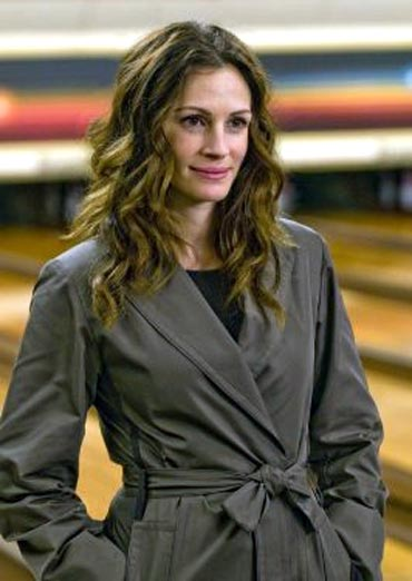 Julia Roberts in a scene from Duplicity