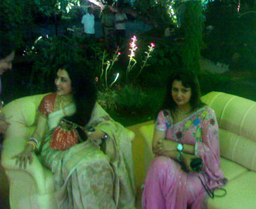 Danseuse Vani Ganapathy and actress Poonam Dhillon at the ceremony