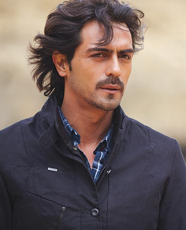 Arjun Rampal It S Difficult To Handle Two Women Rediff