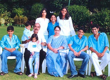 Ramanaidu with wife and grandchildren