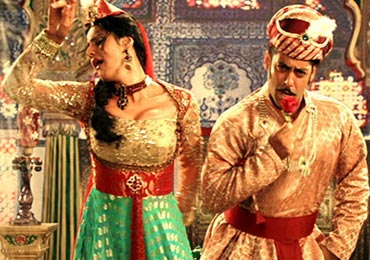 Salman and Zarine Khan in the song Character Dhila in Ready