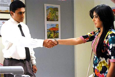 Mohnish Behl and Krithika Kamra in Kuch Toh Log Kahenge