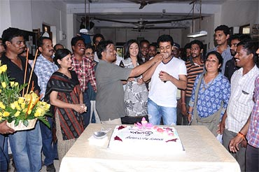Suriya celebrates his birthday on the sets of Maatraan