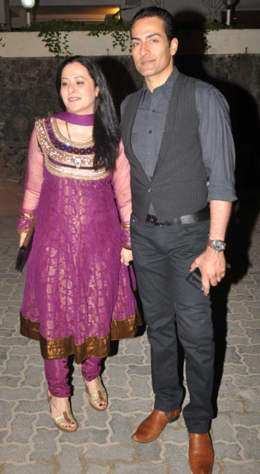 Sudhanshu Pandey and wife