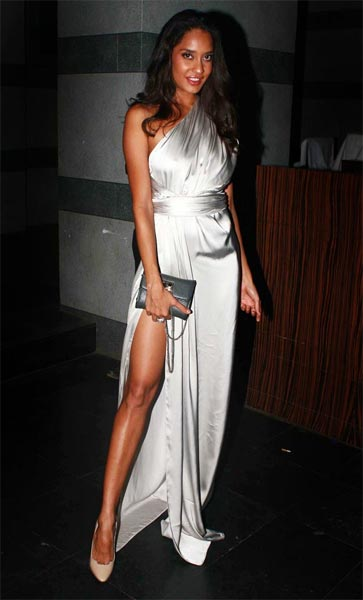 Pix The Slit Dress Is In, Says Bollywood - Rediffcom Movies-7005