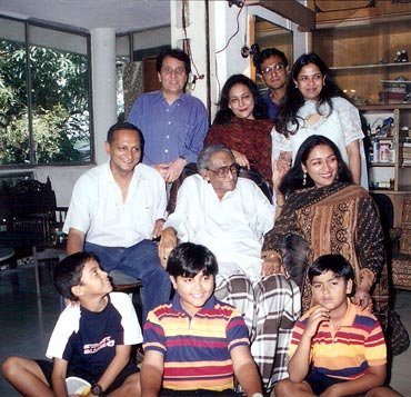 Ashok Kumar on his 90th birthday with his extended family