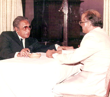 Ashok Kumar with Suresh Agerwala (Kiran's father)