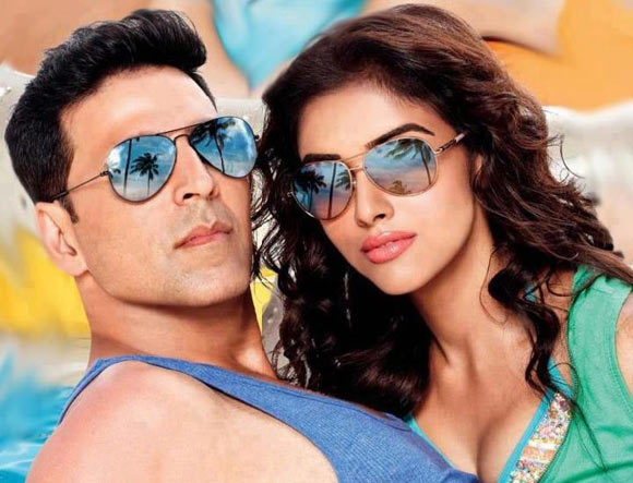 Akshay Kumar and Asin in Housefull-2