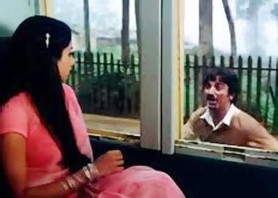 Sridevi and Kamal Haasan in Sadma