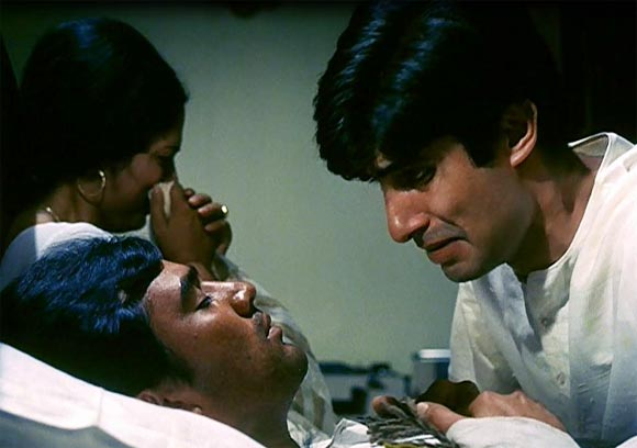 Rajesh Khanna and Amitabh Bachchan in Anand