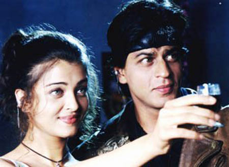 Aishwarya Rai and Shah Rukh Khan in Josh