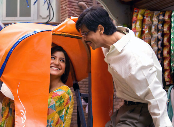 Shah Rukh Khan with Anushka Sharma in Rab Ne Bana Di Jodi