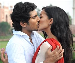 Prateik and Amy Jackson in Ekk Deewana Tha