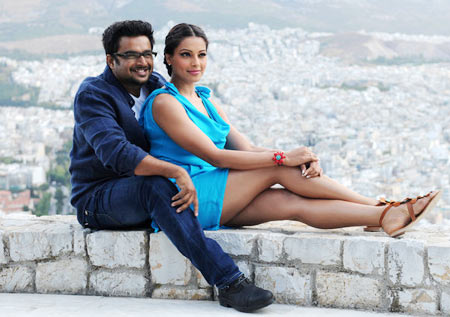 R Madhavan and Bipasha Basu in Jodi Breakers